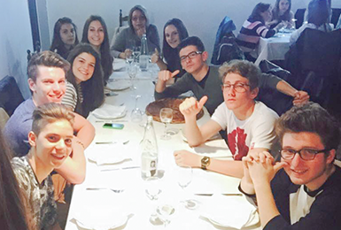 Spanish Students enjoying a Tapas Tour with Spanish School Berceo in Salamanca Spain