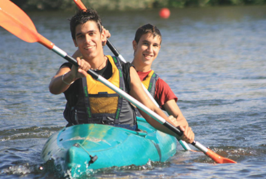 Spanish Students practicing canoeing with Spanish School Berceo in Salamanca Spain